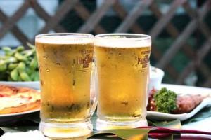 ビール 乾杯 お酒 アルコール