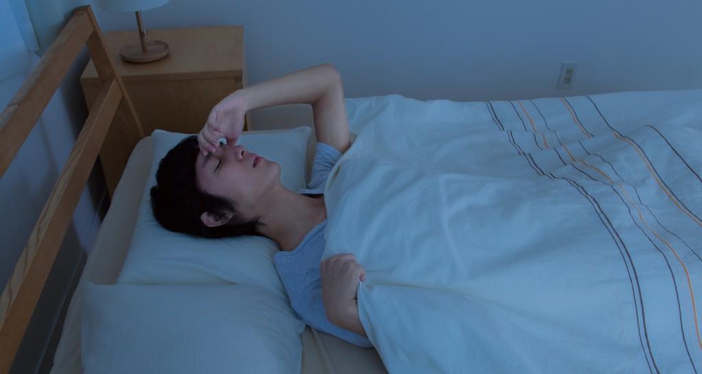 睡眠 寝苦しい 夜 寝不足