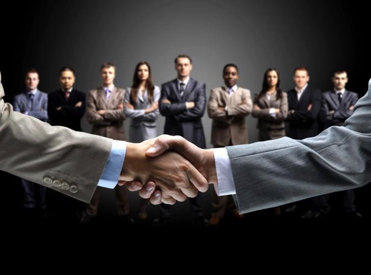 共同運営 取引 提携 握手