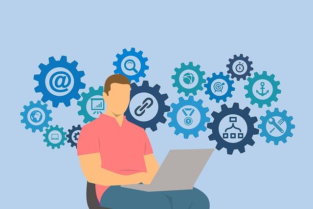 パソコンで作業する男性