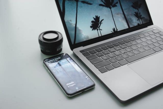 macbookとiPhoneとlens