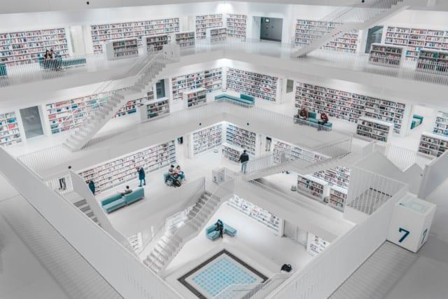 近未来的な図書館